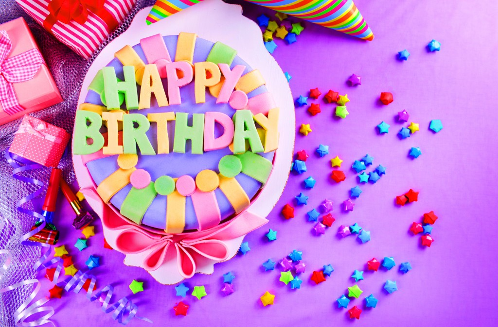 Happy  Birthday Cake   Wallpaper Images Photo pics HD DownloadHappy  Birthday Cake  Wallpaper Images Photo pictures Free Download