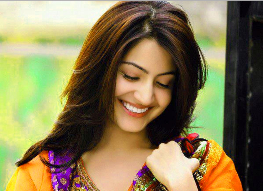 Indian Beautiful Girl Images Wallpaper Pictures HD Download
