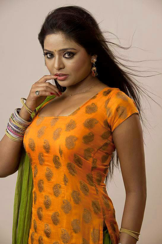 Bhojpuri Actress Images Wallpaper pictures Download