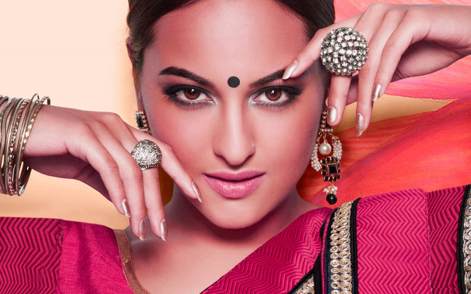 Bollywood Actress images Wallpaper photo Pictures Download