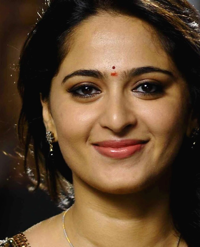 ANUSHKA SHETTY IMAGES PHOTO PICS FOR FACEBOOK COVER PHOTO
