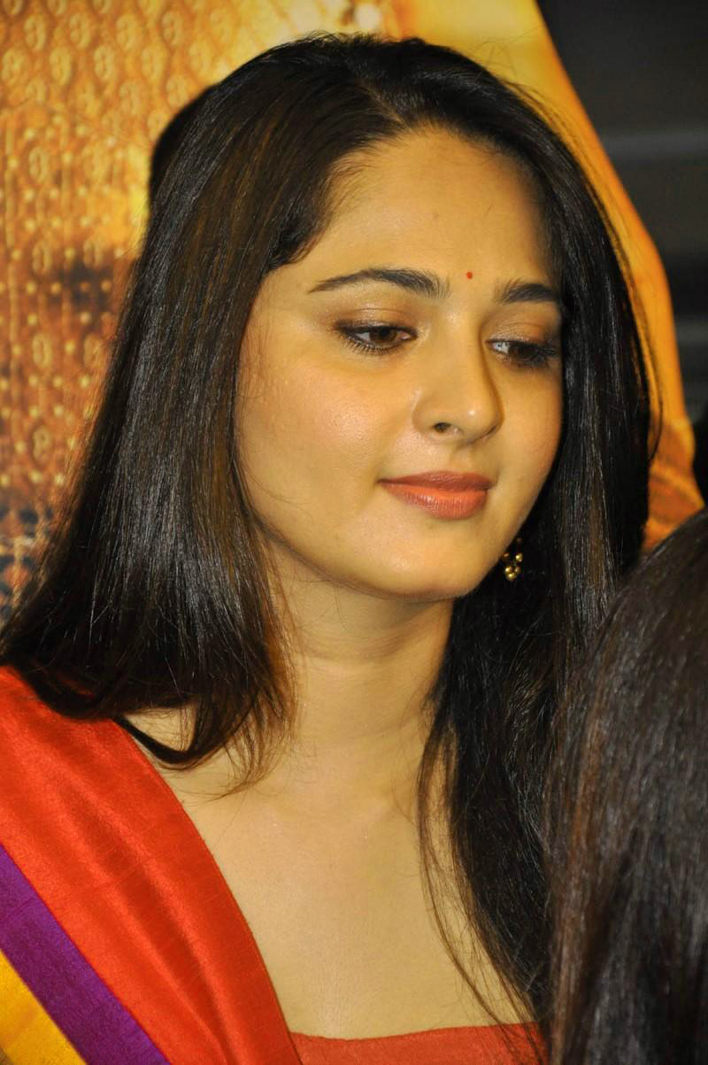 ANUSHKA SHETTY IMAGES WALLPAPER PICTURES DOWNLOAD