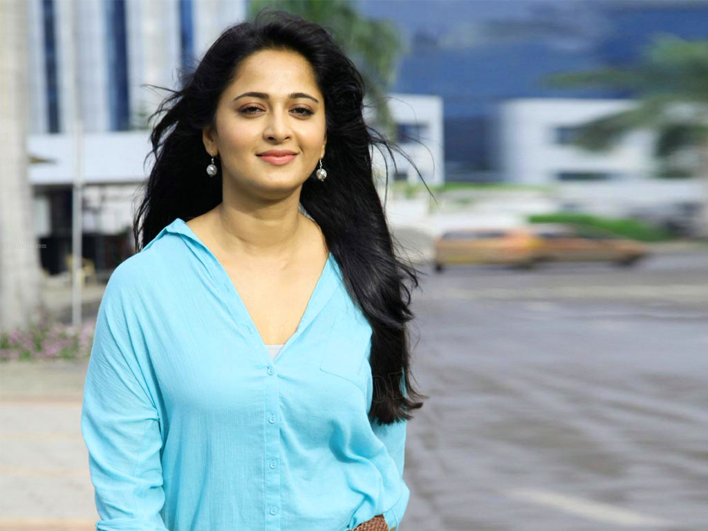 ANUSHKA SHETTY IMAGES PICTURES DOWNLOAD