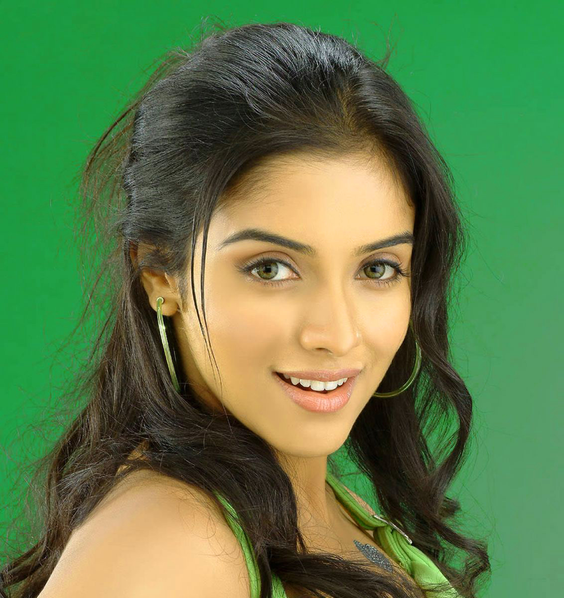 Asin images Wallpaper for Facebook