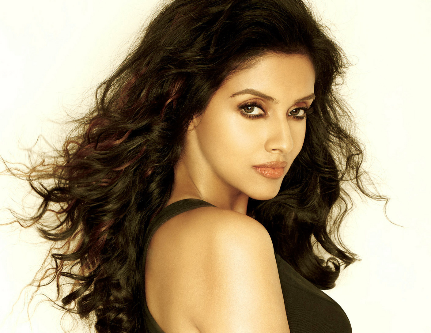 Very Beatiful Asin images Wallpaper Pics Download
