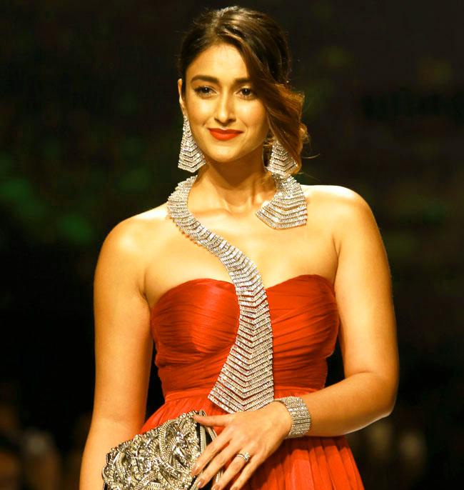 Ileana D'Cruz images photo Wallpaper Pics for Facebook
