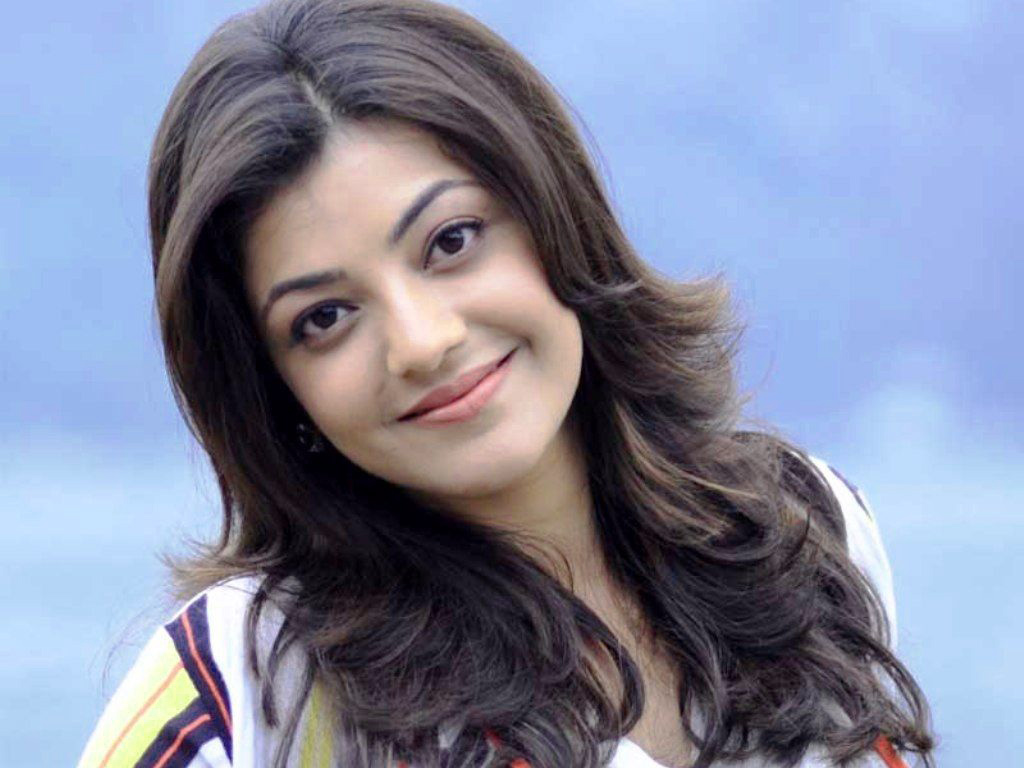 KAJAL AGARWAL IMAGES PHOTO PICS FREE DOWNLOAD