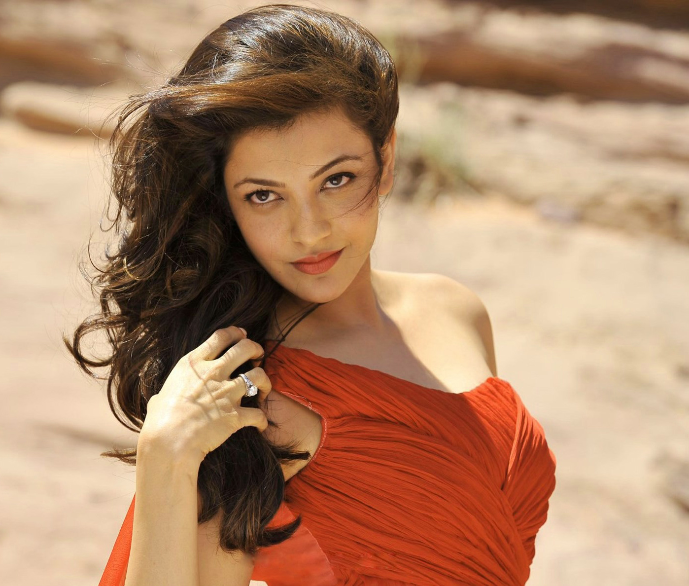 KAJAL AGARWAL IMAGES PICS HD FOR FACEBOOK