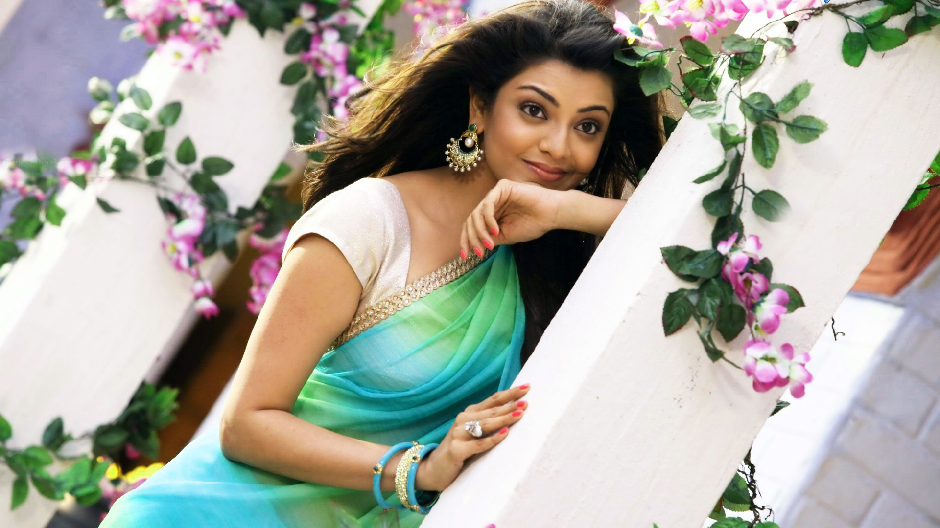 KAJAL AGARWAL IMAGES WALLPAPER PICTURES DOWLLOAD