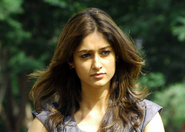 ILEANA D'CRUZ IMAGES WALLPAPER PICTURES DOWNLOAD