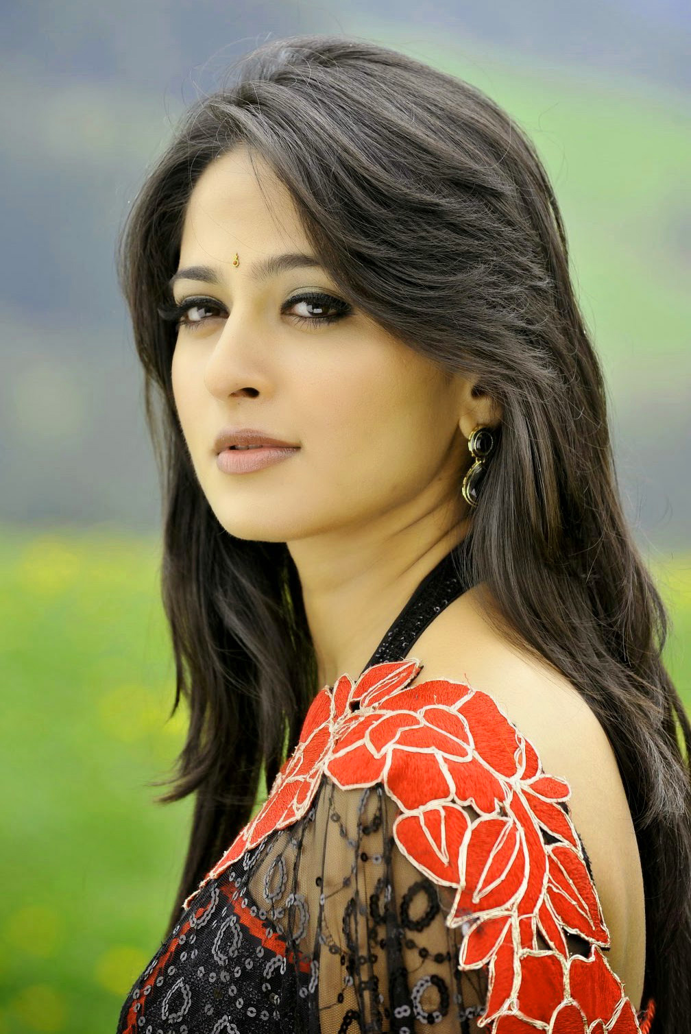 BEAUTIFUL HEROINE / ACTRESS IMAGES PHOTO DOWNLOAD