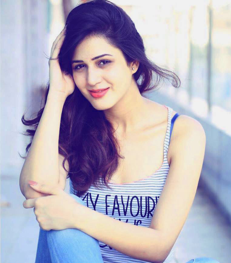 MOST BEAUTIFUL DESI STYLISH GIRLS PROFILE IMAGES WALLPAPER PICTURES