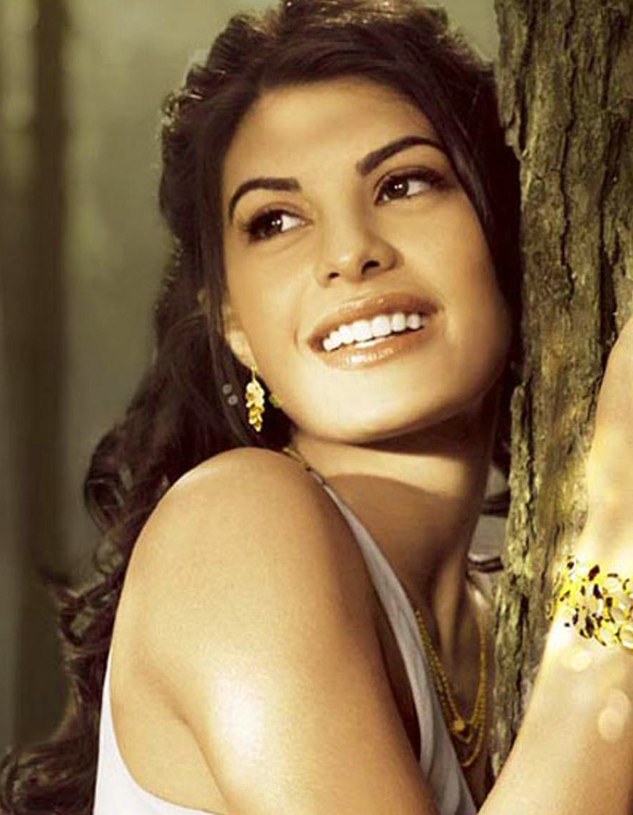 JACQUELINE FERNANDEZ IMAGES WALLPAPER PICS FOR FACEBOOK