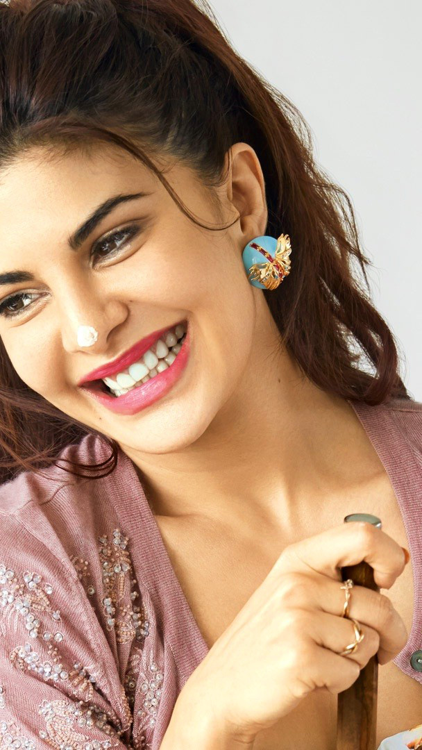 JACQUELINE FERNANDEZ IMAGES WALLPAPER PICS PHOTO DOWNLOAD