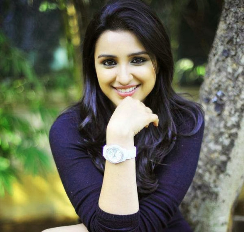 PARINEETI CHOPRA IMAGES PHOTO WALLPAPER FREE DOWNLOAD