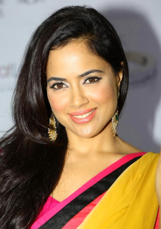 SAMEERA REDDY IMAGES WALLPAPER  PHOTO DOWNLOAD