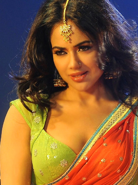 SAMEERA REDDY IMAGES PHOTO WALLPAPER FOR FACEBOOK