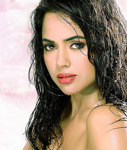 SAMEERA REDDY IMAGES WALLPAPER DOWNLOAD