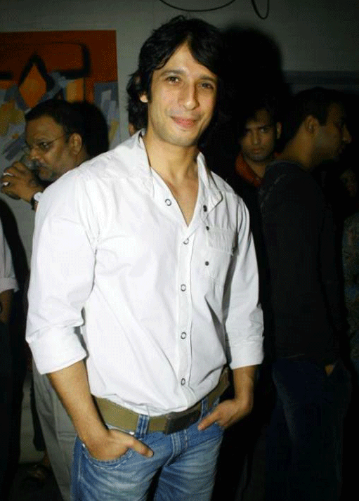 SHARMAN JOSHI IMAGES PICTURES PICS HD DOWNLOAD