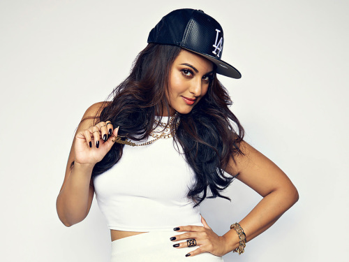 SONAKSHI SINHA IMAGES PICTURES PICS HD DOWNLOAD