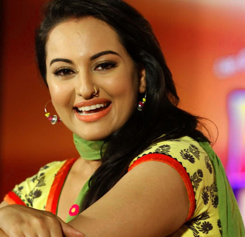 SONAKSHI SINHA IMAGES PICTURES PICS HD