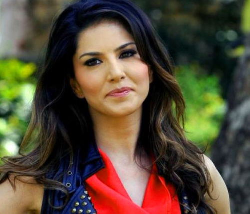 SUNNY LEONE IMAGES PICTURES PICS HD DOWNLOAD