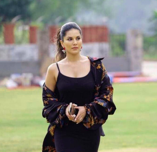 SUNNY LEONE IMAGES PICTURES PICS HD