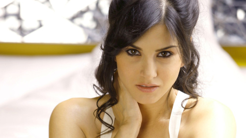 SUNNY LEONE IMAGES WALLPAPER PHOTO DOWNLOAD