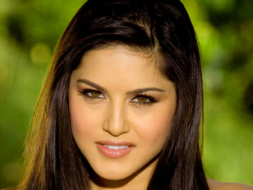 SUNNY LEONE IMAGES PICS PICTURES FREE HD