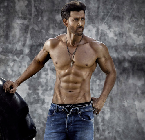HRITHIK ROSHAN PIC WALLPAPER FOR FACEBOOK