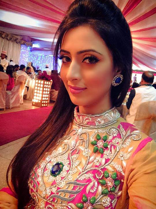 Very Beautiful Girls Profile Pictures Images Wallpaper Photo pics Download