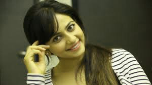Rakul Preet Singh Photo Wallpaper Pictures Free HD