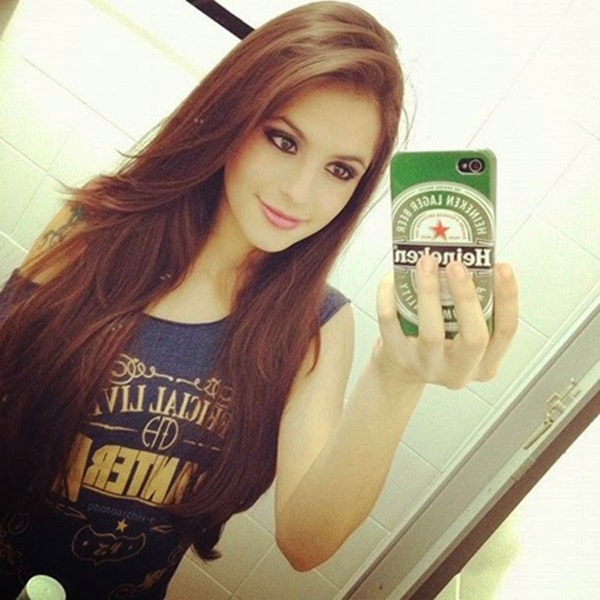 Stylish Beautiful girl selfie Images Wallpaper Pictures Photo pics HD