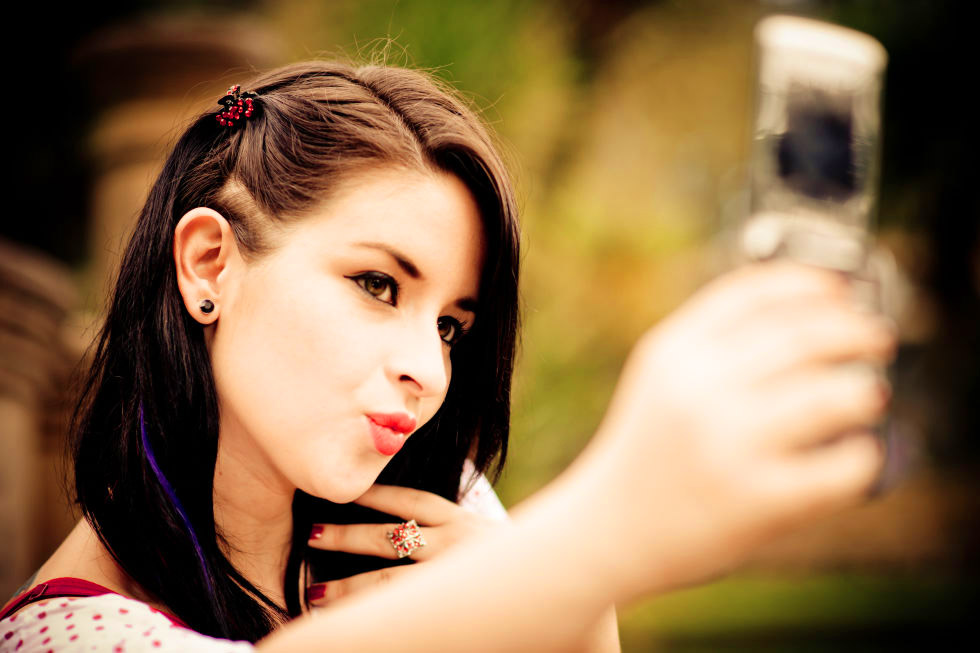 Stylish Beautiful girl selfie Images Wallpaper Pictures Photo pics HD For Whatsapp