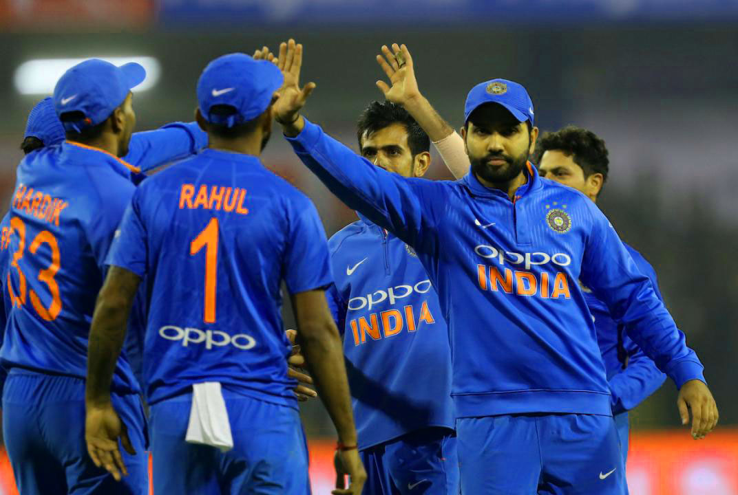 INDIAN CRICKET TEAM PLAYER IMAGES  PICS WALLPAPER PICTURES