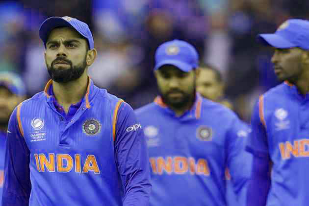 INDIAN CRICKET TEAM PLAYER IMAGES WALLPAPER PICTURES DOWNLOAD