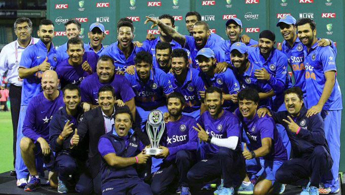 INDIAN CRICKET TEAM PLAYER IMAGES PICS PICTURES FREE