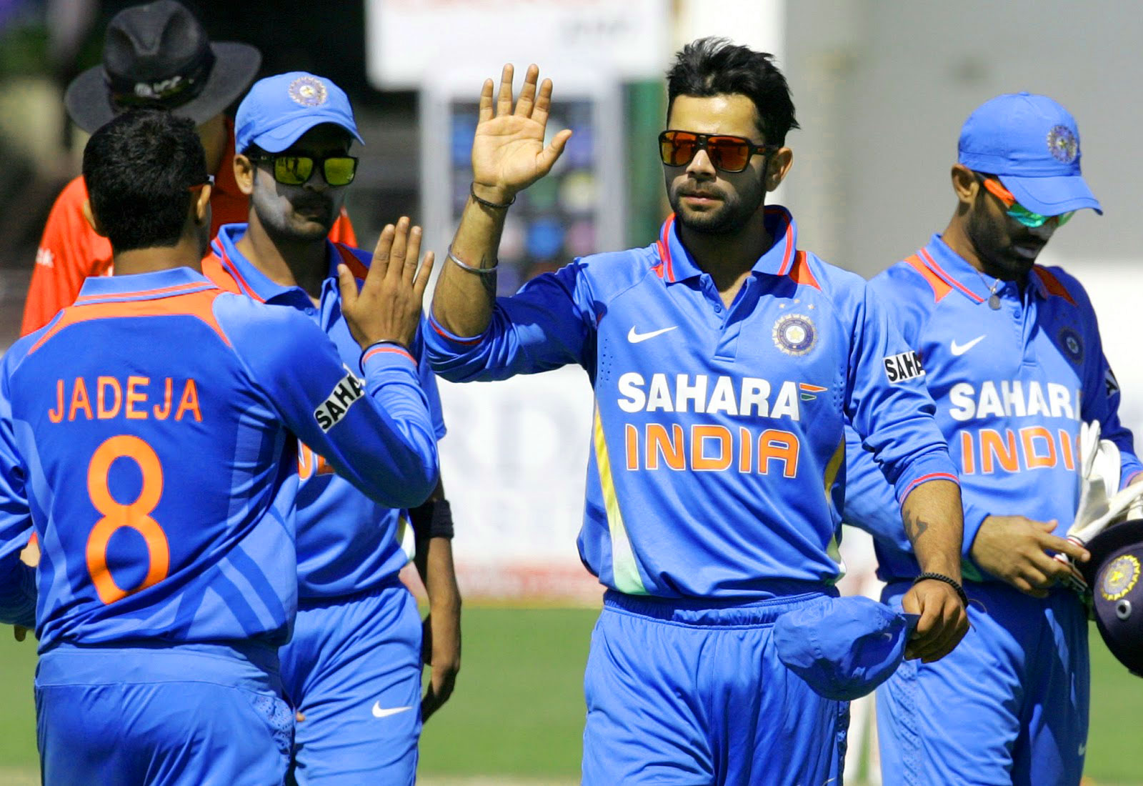 INDIAN CRICKET TEAM PLAYER IMAGES WALLPAPER PICTURES FREE