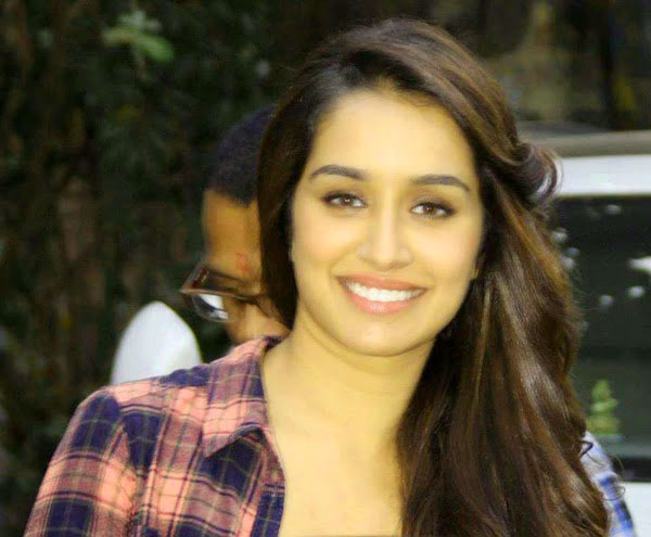 Shradha Kapoor Images Wallpaper Photo Pics Pictures Download