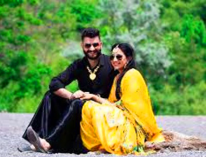 DESI PUNJABI LOVE COUPLE IMAGES PICTURES PHOTO DOWNLOAD