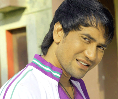 DINESH LAL YADAV NIRAHUA IMAGES WALLPAPER PICTURES FREE HD DOWNLOAD