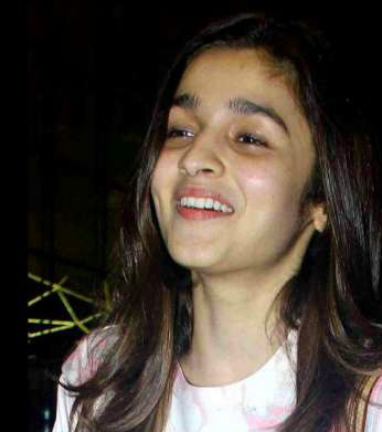 ACTRESS IMAGES WITHOUT MAKEUP WALLPAPER PHOTO FOR WHATSAPP