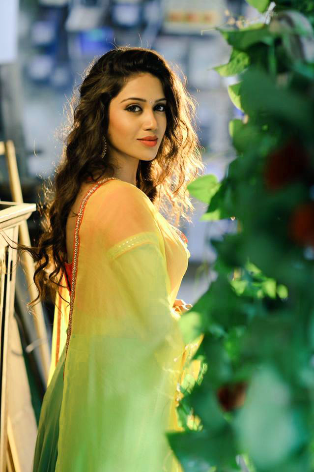 BEAUTIFUL HEROINE / ACTRESS IMAGES PICTURES PHOTO DOWNLOAD