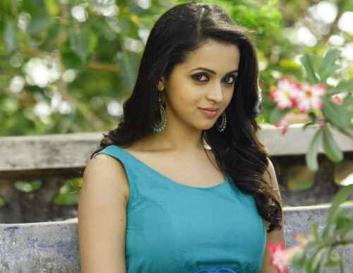 BEAUTIFUL HEROINE / ACTRESS IMAGES PICS PICTURES FREE DOWNLOAD