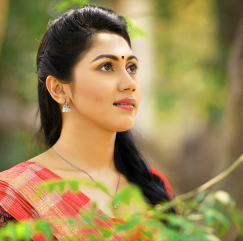 BEAUTIFUL HEROINE / ACTRESS IMAGES PICTURES FREE DOWNLOAD