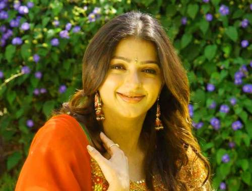 BHUMIKA CHAWLA IMAGES PICTURES HD DOWNLOAD