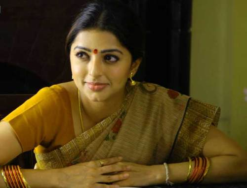 BHUMIKA CHAWLA IMAGES PICS PICTURES FREE HD