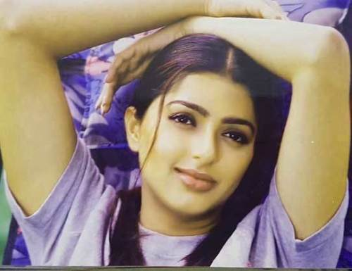 BHUMIKA CHAWLA IMAGES PICS PICTURES HD DOWNLOAD