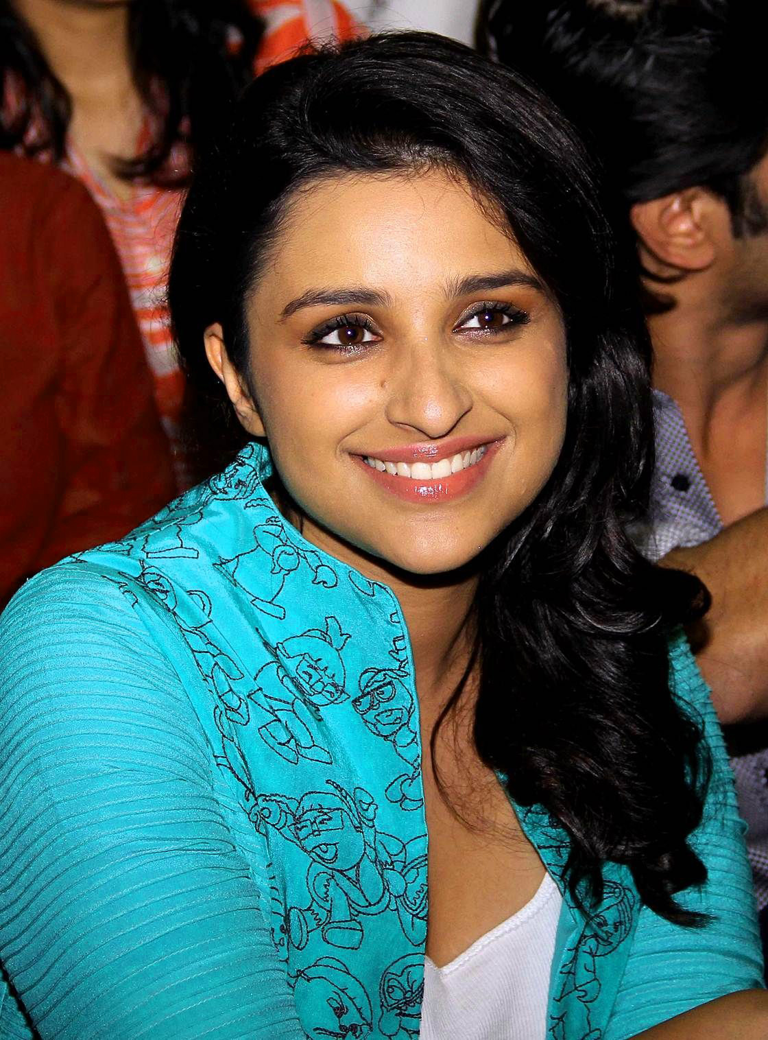 PARINEETI CHOPRA IMAGES PHOTO WALLPAPER FREE HD