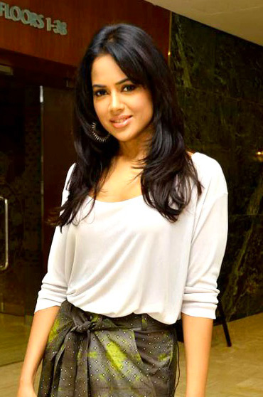 SAMEERA REDDY IMAGES PICTURES PICS HD DOWNLOAD
